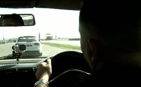 Masina cu volan pe partea dreapta