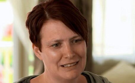 O femeie a devenit prima persoana din Marea Britanie care si-a donat un rinichi unei straine, dupa un apel pe Facebook