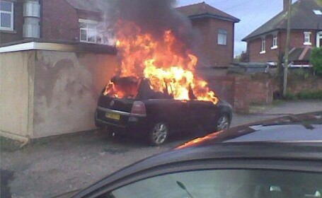 Vauxhall masini