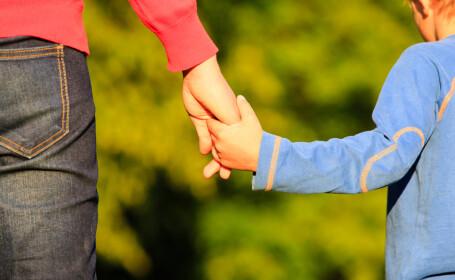 Scrisoarea unei mame pentru fiul ei de 10 ani, care i-a vorbit intr-un mod agresiv. Finalul te va lasa fara cuvinte