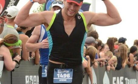 Un tanar din SUA a atras toate privirile femeilor la maratonul din Chicago. Ce mesaj si-a scris pe spate