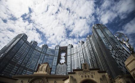 FOTO. Cazinoul de 3,2 miliarde USD inaugurat in China. DeNiro, DiCaprio si Brad Pitt il promoveaza intr-un film de 15 minute