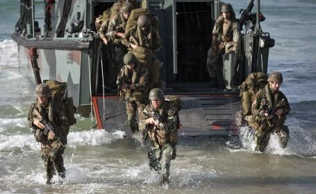 Wall Street Journal: NATO analizeaza posibilitatea suplimentarii trupelor in apropierea granitelor Rusiei
