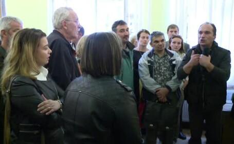 Invatatoarele de la o scoala din Sibiu refuza sa mai participe la programul \