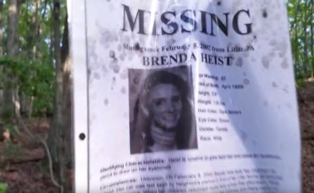 Scena demna de filmul de groaza Blair Witch descoperita de un barbat in mijlocul unei paduri. \