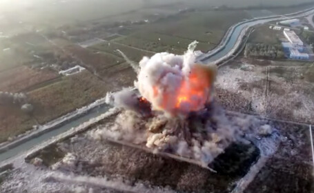 Atac sinucigas, filmat de talibani cu drona. 15 oameni au murit in explozie. VIDEO