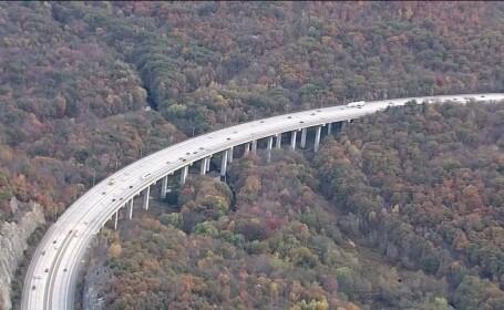 Un american a sarit de pe un pod tinandu-si copiii in brate. Cine a supravietuit in mod surprinzator
