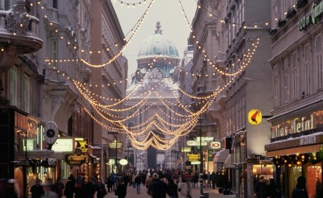 Daca e Craciun, e Viena. Gustul orasului austriac in prag de sarbatori nu are egal, chiar si la a mia vizita