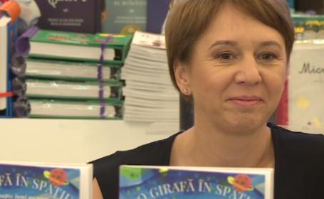 """""""O girafă în spatiu"""", cartea cu ajutorul căreia copiii ajung în lumea magică a basmelor"""