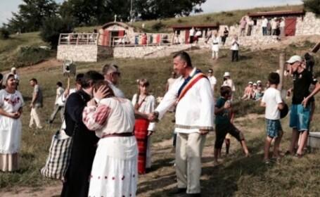 Satul din România cu cinci locuitori. Decebal, primul copil botezat