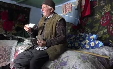 Un veteran de 92 de ani ar putea ajunge în închisoare. Ce făcea cu biletele CFR gratuite