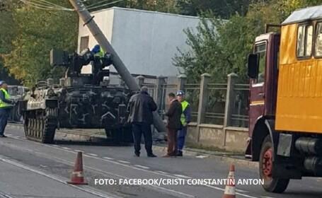 Vehicul blindat, implicat într-un accident rutier în Galaţi