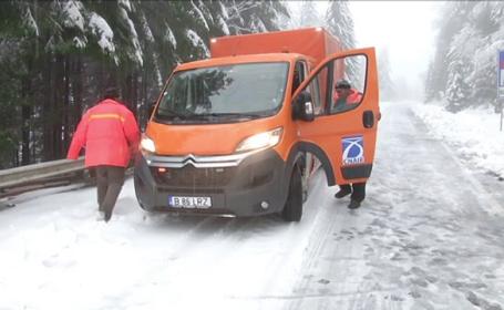 Cod portocaliu de viscol la munte şi Cod galben de vânt și ploi în toată ţara. Drumurile afectate