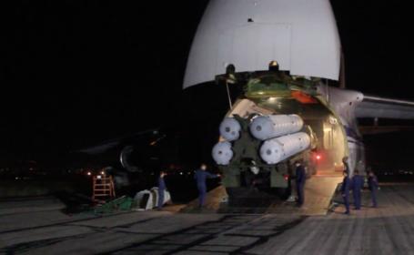 Imagini spectaculoase cu ultimele echipamente militare trimise de Vladimir Putin în Siria. VIDEO