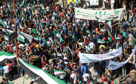 Protest împotriva grupării Stat Islamic, în Siria, după executarea unei femei