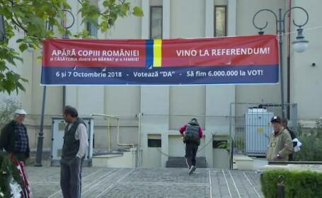 afis pro-referendum pe biserica