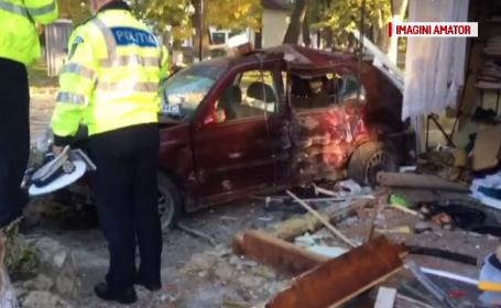 Un bărbat a ajuns cu mașina într-un magazin, în Maramureș. 4 oameni, răniți