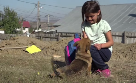 Roxana - fetita de 9 ani din Vaslui