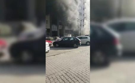 Incendiu în parcarea subterană a unui bloc din Cluj. Planul roşu, activat