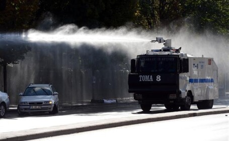 masini anti-protestatari