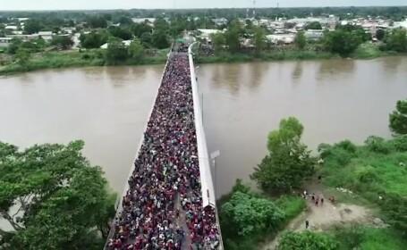 Criză a imigranţilor în America. O coloană uriaşă de oameni se îndreaptă din Honduras spre graniţa SUA