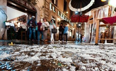 Roma, acoperită de grindină după o furtunăRoma, acoperită duminică seara de grindină după o furtună
