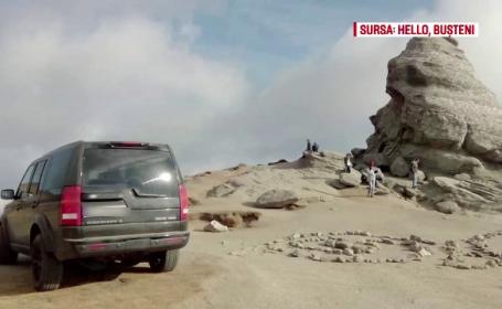 Apariţie revoltătoare lângă Sfinx, în Bucegi. Un şofer a urcat cu maşina până la monumentul protejat