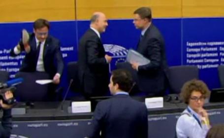 Gestul unui eurodeputat italian, după decizia CE de a respinge proiectul de buget al Italiei