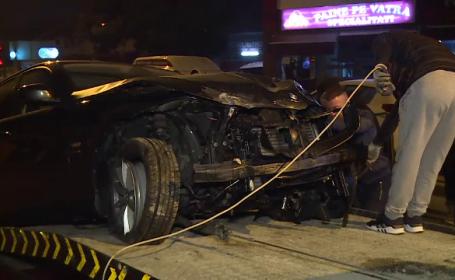 O șoferiță cu BMW a avariat 3 mașini și a lovit un stâlp de iluminat în Capitală