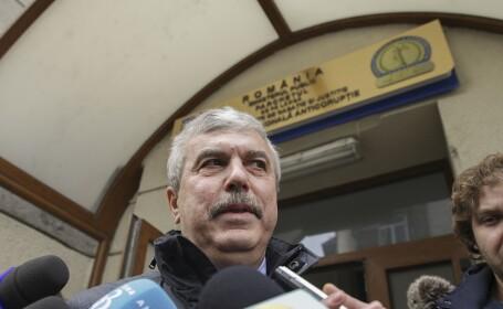 Dan Nica se prezinta la sediul DNA in Bucuresti, luni, 12 decembrie 2016