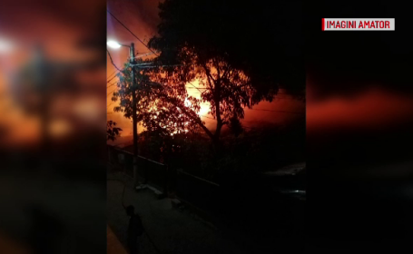 Incendiu violent în Pantelimon
