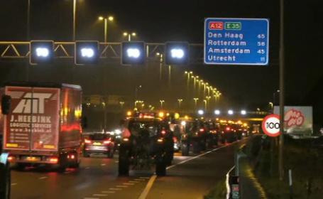 """Cozi de mașini de 1000 de km. """"Este cel mai mare blocaj în trafic din istoria țării"""""""