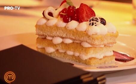 Rețete MasterChef: Foi de pandișpan cu cremă de vanilie și fructe de pădure & Lava Cake