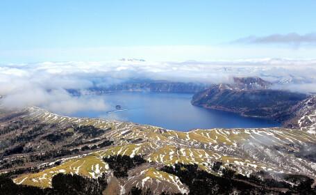 """Misterul """"lacului zeilor"""" din Japonia. Ce pățesc cei care văd suprafața apei"""