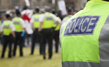 Cea mai mare rețea de trafic de droguri din Marea Britanie. 13 bărbați arestați