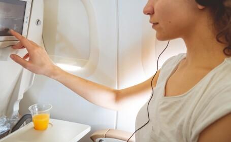 Hărțuire în timpul zborului: ce mesaje îi apăreau unei femei pe ecranul din față