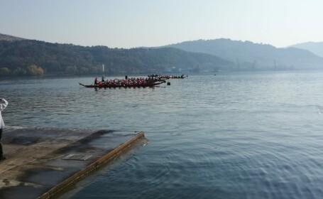 O barcă cu 20 de copii s-a răsturnat pe Dunăre, în timpul unei competiții sportive