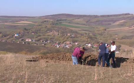 Un bărbat din Bistriţa a găsit o sabie veche de 2.000 de ani. Ce descoperire a făcut apoi