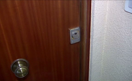 Femeie găsită moartă în apartamentul ei, după 15 ani. De ce nu s-au alertat vecinii