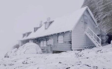 Prima zăpadă din acest sezon. Peisaje mirifice în munții Făgăraș și Bucegi