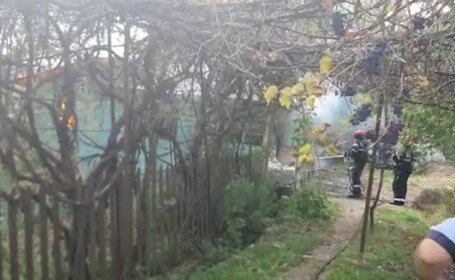 O doctoriță pensionară a murit mistuită de flăcări, în casa ei din Dâmbovița. Femeia avea 86 de ani