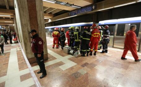 Incident la metrou. A intervenit SMURD. Circulaţia trenurilor s-a desfăşurat cu dificultate pe M1