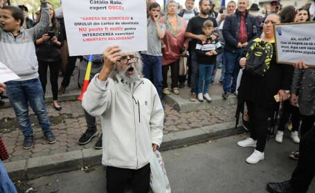 """Reacția premierului Ludovic Orban, după protestele anti-mască din Piața Universității: """"Mai bine decât de oxigen"""""""