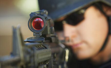 Atac în fața sediului guvernului croat. Un bărbat a deschis focul cu o mitralieră, rănind un ofițer de poliție