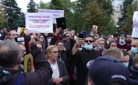 Proteste anunțate la Iași împotriva interzicerii pelerinajului de Sfânta Parascheva. Jandarmii sunt în alertă