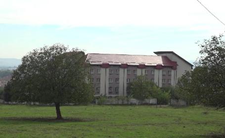 Focar de COVID-19 în Alba. Un centru de recuperare neuropsihiatrică a înregistrat peste 120 de cazuri