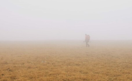 Turistă de 61 de ani, căutată de salvamontiști în masivul Retezat, pe un traseu extrem de dificil. A dispărut de două zile