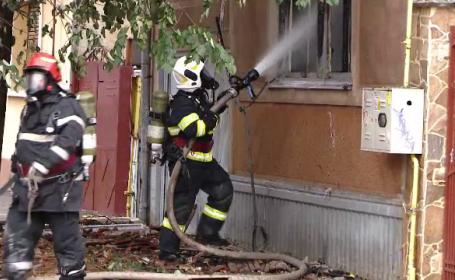 O casă din Timişoara a explodat, cu 3 oameni înăuntru. Ce ar fi produs dezastrul