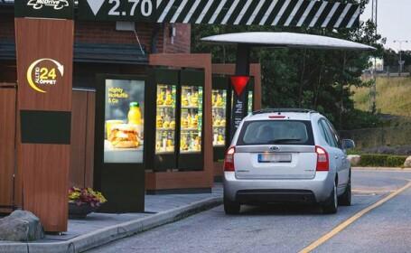 O femeie s-a dus mahmură să își cumpere un hamburger și a făcut cea mai nebună comandă! Totul a ajuns viral