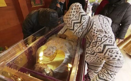 Pelerinajul Sfântului Dimitrie cel Nou s-a încheiat. Peste 33.000 de oameni s-au închinat la racla sfântă